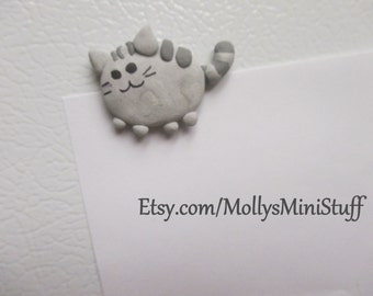 Handmade polymer clay Pusheen the cat magnet