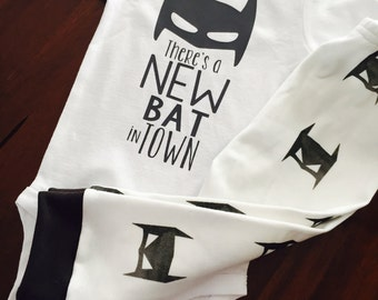 Batman baby. Baby Batman. Superhero Baby. Baby Boy. Baby Boy Coming home outfit. Baby Superhero. Bat Baby. New Bat in town.