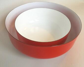 Beautiful Set of 2 Japanese Red Enamelware Serving Bowls