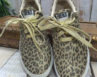 Forenza, Size 10 WW, 10 double wide sneakers, cheetah print, leopard print shoes, double wide shoes, extra wide shoes, leopard sneakers