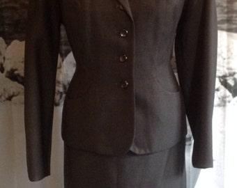 Genuine vintage 1940s tailored ladies two piece suit