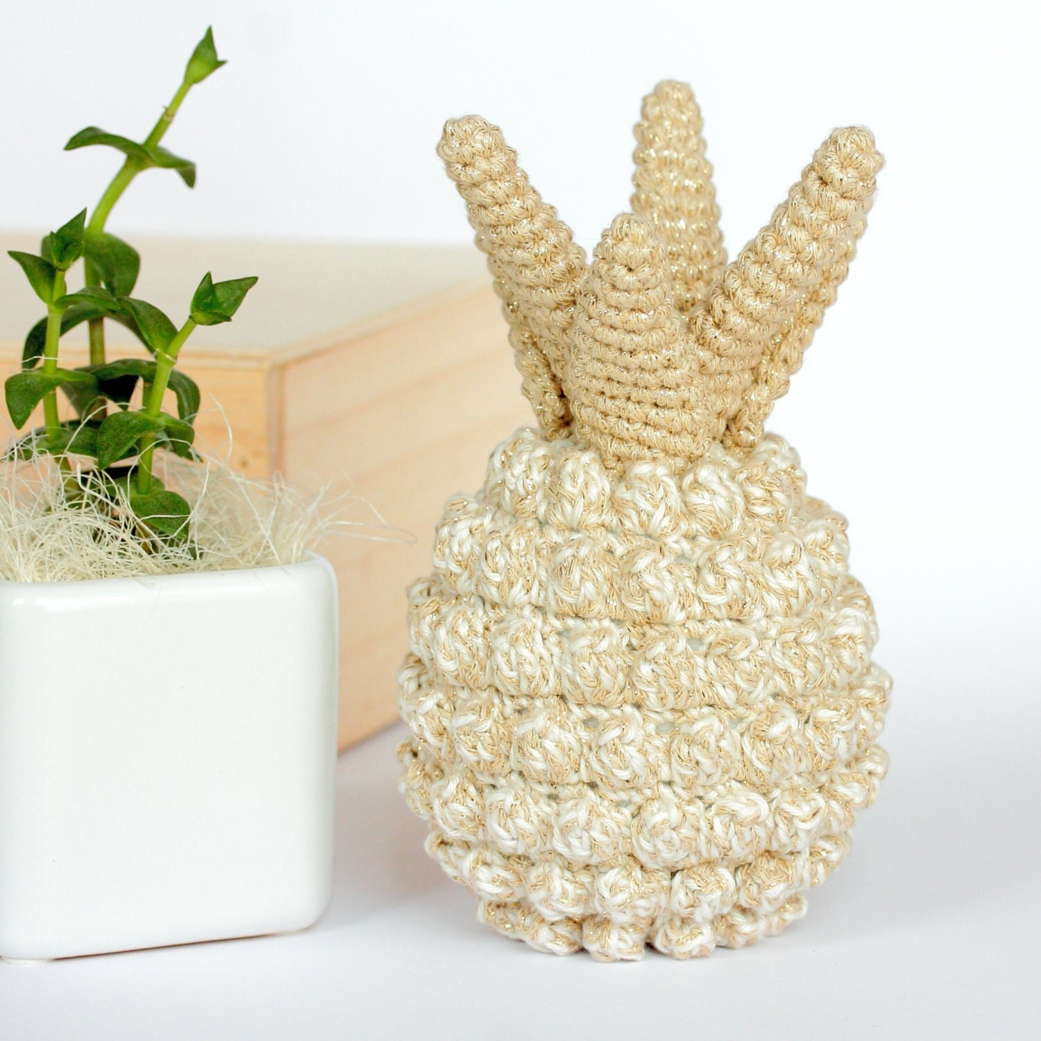 Pineapple home decor crochet pineapple decor pineapple by for Ananas dekoration