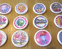 SHOPKINS pin badges x 12