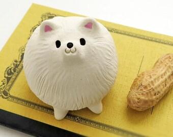"Pomeranian figurine of Ceramics ""Small white Pomeranian"""