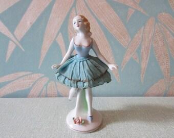 1940s Japanware porcelain ballerina with net skirt detail