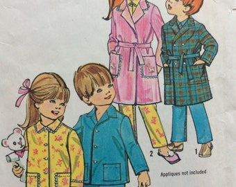 Simplicity 5103 child's robe and pajamas size 6 vintage 1970's sewing pattern  Uncut  Factory folds