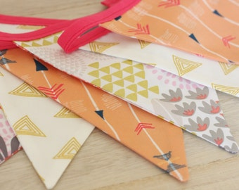 Large Garland pennants, Collection apricot