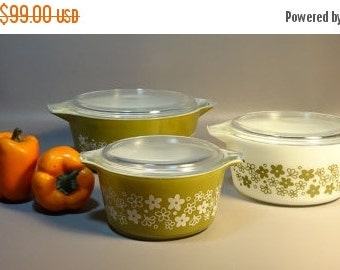 ON SALE- Set 3 Pyrex Crazy Daisy Green & White Spring Blossom Covered Casserole Dishes