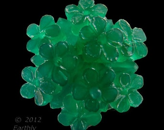 Vintage flat back plastic green flat back floral stone, 22mm diameter package of 2. b5-838(e)
