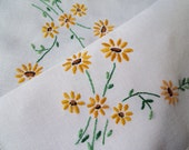 Vintage linen tea tray cloth. 1950s English small linen tablecloth with hand embroidered yellow daisies. Perfect for an afternoon tea party