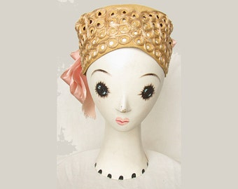 Vintage 1920s Hat Eyelet Straw with Silk Trim & Large Bow