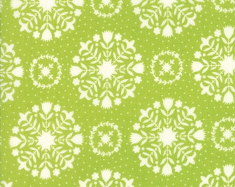 Bonnie and Camille Handmade Green Olivia SKU# 55141-14 Quilting Cotton Fabric Moda Fabrics, Floral, UK Seller