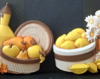 Vintage 1981 Retro Syroco Homco Fruit Lemon Daisy Hanging Kitchen Decor Wall Plaques Set 7610 A & B