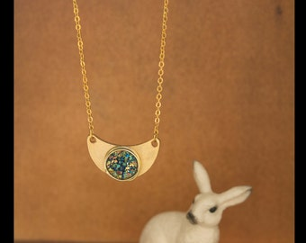 """Necklace """"Lune"""" with wire wrapped druzy cabochon on a gold plated pendent"""