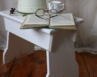 Sweet French Vintage White Painted Pine Stool