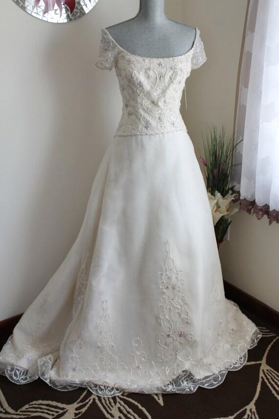 Wedding dress ivory silk organza lazaro a line for Lazaro a line wedding dress