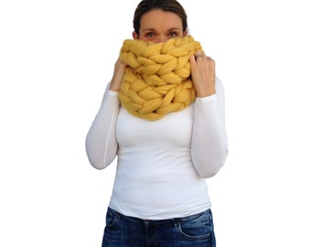 Chunky knitted Scarf, 70+ colours Giant Extreme Infinity chain scarf, Super chunky bulky scarf, knitting Merino, chunky yarn  M045