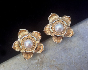 Vintage Christian Dior Faux Pearl Flower Clip On Earrings Jewelry