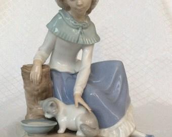 Vintage Nao Lladro Milk For The Cat porcelain figurine girl with cat petting feeding cat milk bowl milk kitten animal lover figurine statue