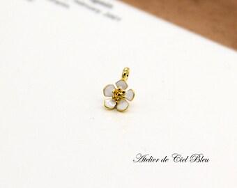 Tiny Flower Charm - Tiny Enamel Flower Charm - Tiny Forget Me Not Charm - Flower Pendant - Forget Me Not Pendant