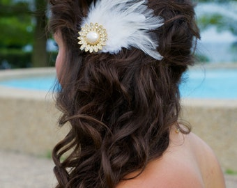 White Bridal Feather Hair Clip with Vintage Pearl and Crystal Piece