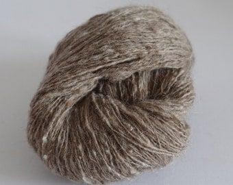 Handspun tweed yarn unddyed iceland wool thread ply BEIGE TWEED 130 g (4.6 oz) and 370 m (404 yards) in total