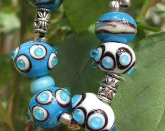 Glass Bead Bracelet white bracelet, glass beads, turquoise, turquoise, spotted,