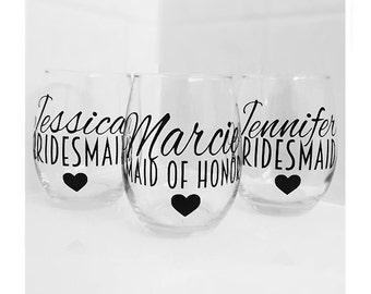 SET OF 7, bridesmaids cups, bachelorette cups, wedding cups, initial wine glasses, custom wine glass, custom wedding gift, bachelorette cup
