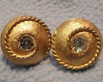 SALE!  Beautiful Cufflinks  ~ Goldtone with Large Rhinestone  (was 7.00)