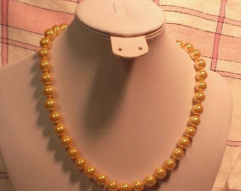 Shell Pearl Necklace Light Saffron Yellow