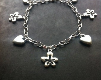 Daisy and Heart Charm Silver Plated Bracelet