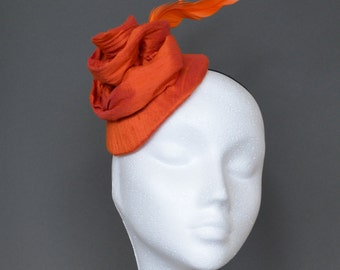 Small orange silk hat. Orange fascinator. Orange wedding hat. Orange flower hat.  Handmade silk hat. Derby hat. Ascot hat.