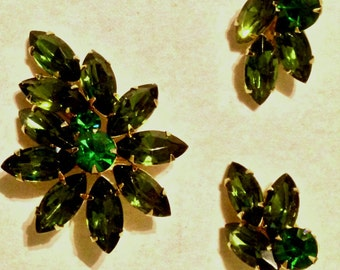 1950's Signed Weiss Brilliant Emerald Green Brooch and Earrings Set