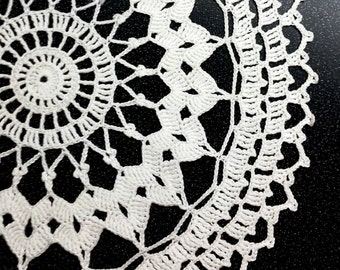 White Crochet Doily, lace doily, home decor, table decoration, handmade, center piece, napkin