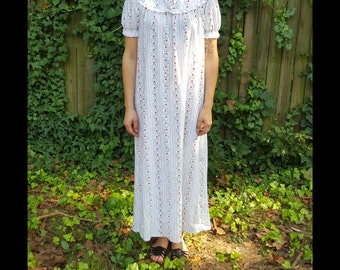 Vintage Lanz of Salzburg Nightgown Short Sleeve Heart Pattern Night Gown