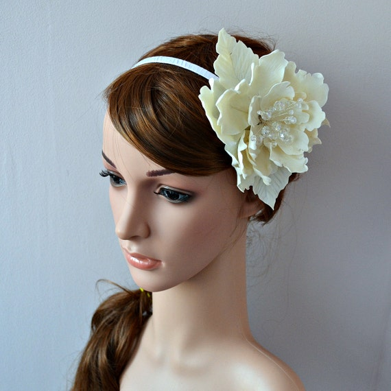 Unique Bridal Headpieces: Items Similar To Large Flower Fascinator