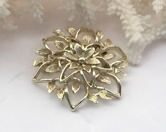 Vintage brooch, vintage Sarah Cov, Sarah Coventry, brooch, pin, flower brooch, flower pin, gold tone brooch, gold tone pin