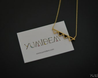 geometric necklace gold plated triangles aligned black leather
