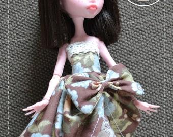 Monster High - Brown floral dress