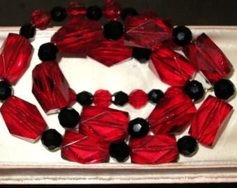 Vintage 1950s faceted red & black lucite necklace
