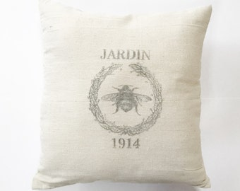 Honeybee Wreath French Grain Sack Pillow Cover - canvas - cotton