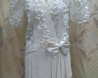 Vintage 1980s White Leslie Fay Dress with Ribbon and Lace Bodice