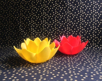 Lite Up Lily~Yellow~Red~Set of Two (2)~Vintage Pool Candles~Floating Flower~Garden~Pool~Pond~Party Decorations