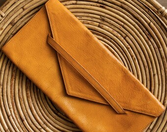 State of Sunshine | Vintage leather clutch