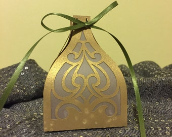Wedding centerpiece lantern, paper lantern, party favor, Diwali lantern, Holiday lantern, tree ornament, home decor