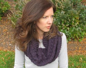 Crochet pattern - Diamonds and Ladders Cowl