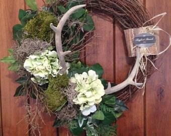 wreath with antlers, rustic wreath, green wreath, front door wreath, indoor wreath, outdoor wreath, spring wreath, hydrangea wreath