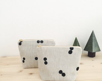 Small Pouch Dots - Oatmeal