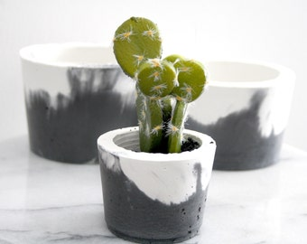 Indoor Plant Pot Small or Large - Mixed Charcoal OR Grey with White