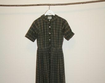 checkered full skirt 60ies dress